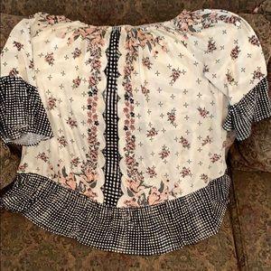 Bell sleeve blouse NWOT